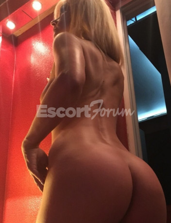 Photo escort girl CINZIA : the best escort service